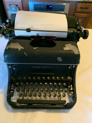 Vintage Remington Rand Model Seventeen Typewriter #J606946 WORKING -Mid 40