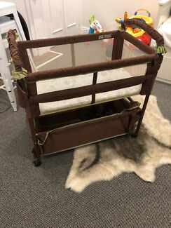 Baby bassinet co sleeper  - pick up today! Williamstown Hobsons Bay Area Preview