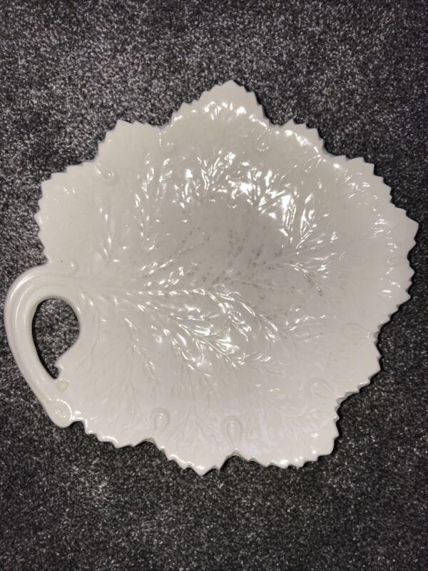 vtg E&R, inc ERPHILA CZECHO-SLOVAKIA- leaf pattern plate- 3416-EUC