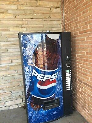 Vendo 540 9 Select Can Bottle Soda Energy Drink Vending Machine Pepsi