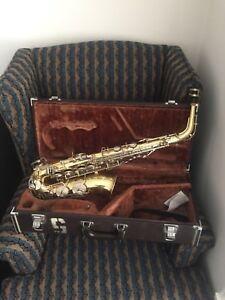 Saxophone Yamaha Alto 23  & case