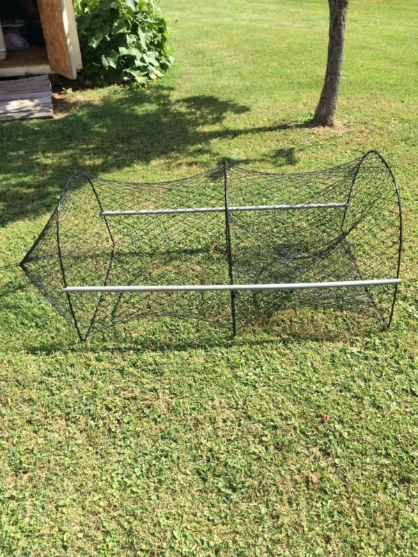 Turtle trap Size Large With stretch sticks And A Bait Bag