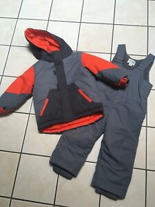Toddler  2T snowsuit brand new