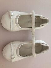 Ivory/Cream - toddler girls shoes European size 24 Warners Bay Lake Macquarie Area Preview
