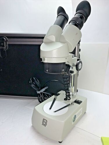 National Stereo Microscope W10X/40X 110-120V 50/60Hz with CASE - Pre-Owned