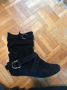 Black boot for sale