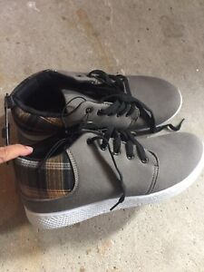 Casual shoes for men -BNWT — size 11/12