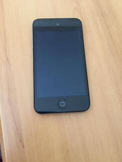 IPOD TOUCH 4TH GENERATION 8GB Brighton East Bayside Area Preview