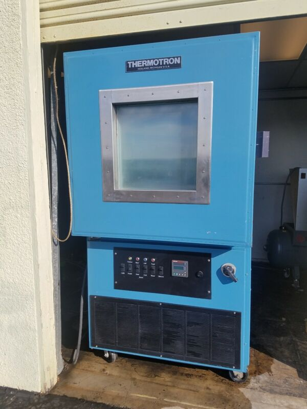 Thermotron S-16C Chamber, upgraded controller with boost heating and cooling