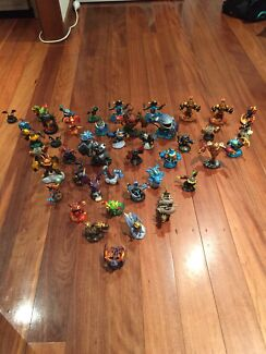 44 Skylander and 10 Disney infinity figures