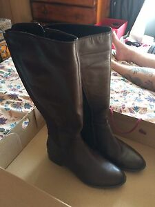 Brown leather boots Bell Park Geelong City Preview