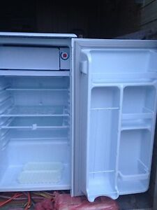 Dandy bar fridge & freezer $50