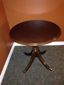 Solid Wood Deilcraft Parlor Table