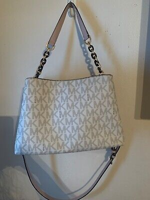 Medium michael kors handbag