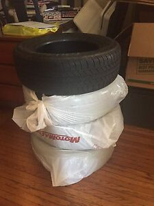 Set of 4 All Season tires !!