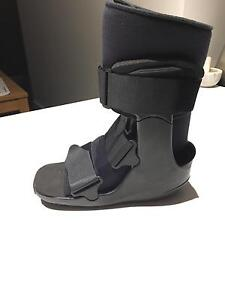 Cam Walker Boot (Moon Boot) Size Medium (Men's size 9-12) Coburg Moreland Area Preview