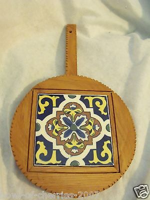 Trivet Framed in Wood, Footed with Hanging Handle, Dal Tile, Mexico, EUC