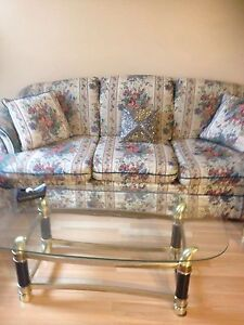 Almost new furniture London Ontario image 6