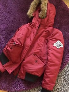 Selling a beaver canoe jacket for 60$