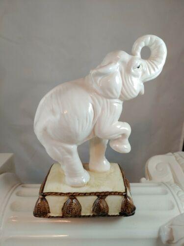 Fitz And Floyd Ceramic White Elephant on Podium Excellent Condition