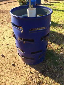 Vertical garden plastic drum