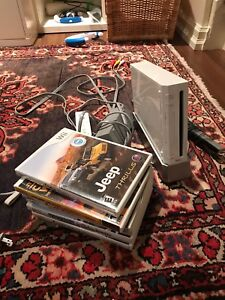 Wii bundle with games, controller and sensor bar