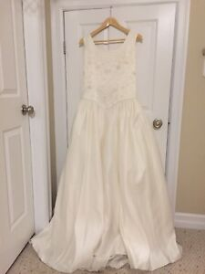 Ivory Wedding dress. Size 14