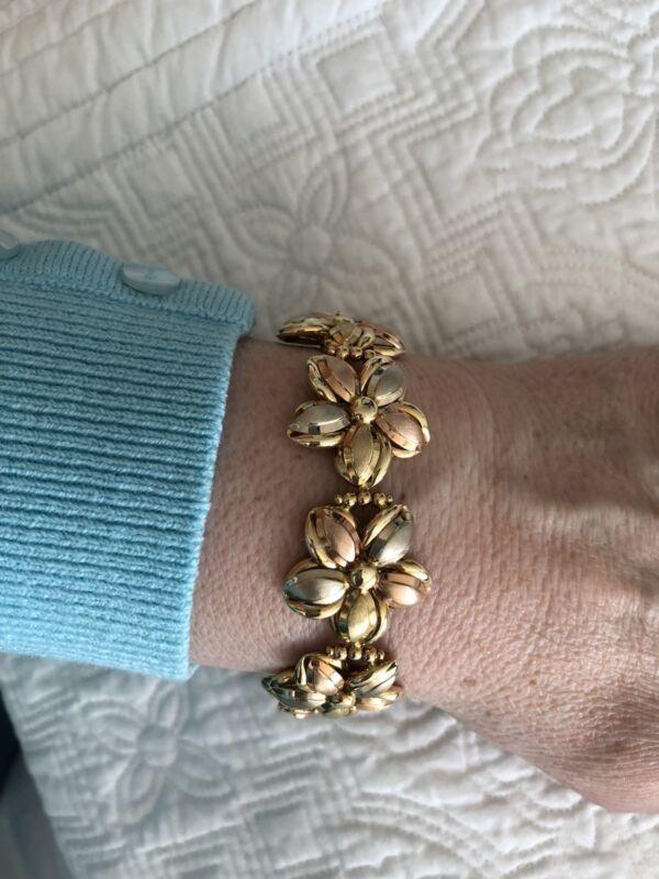 14 KT GOLD BRACELET, Earrings, PENDANT, AND RING FLORAL SET ❤️
