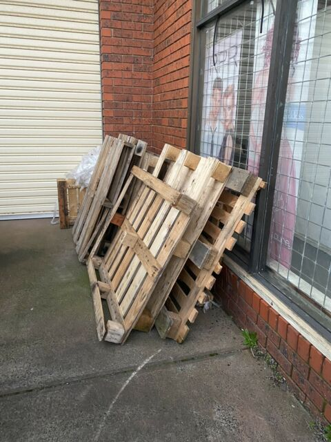 Free Shipping Pallets Building