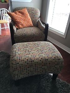 Couch, 2 accent chairs with ottomans