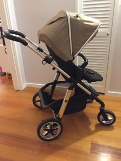 Silver Cross Pioneer Pram in great condition