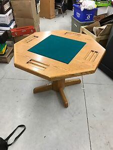 2 way Poker Table with 4 chairs