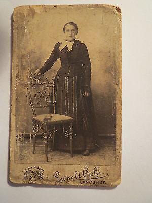 Landshut - Frau Maria Schott ? mit einem Stuhl beim Fotografen - Portrait / CDV