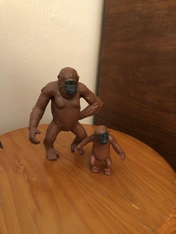 AAA Two Orangutan Monkeys Baby Models Toys Figurines Replica Zoo Apes Animals