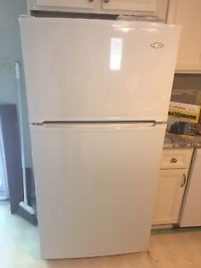 Maytag Refrigerator 30-inch Wide Top Freezer (white)