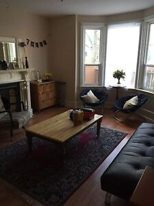 Beautiful 4 bedroom apartment steps to Ryerson University