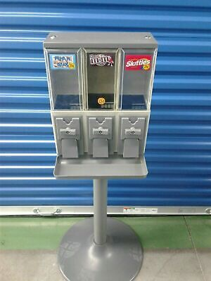 Vendstar 3000 Refurbished Vending Machine With Locks And Keys - 2 Candy Machines