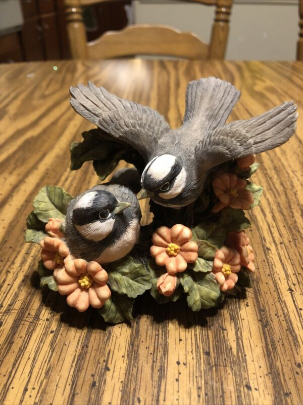 """Bird Figurine Looks Like Possible White Crown Sparrow In Flowers 3.75"""" Tall"""