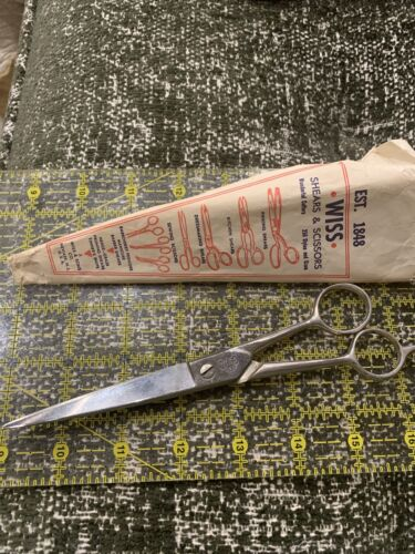 Vintage Wiss Scissors With Original Paper Case. - $5.65