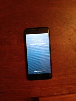 I Phone. 7   256 GB  new unlocked with box and receipt