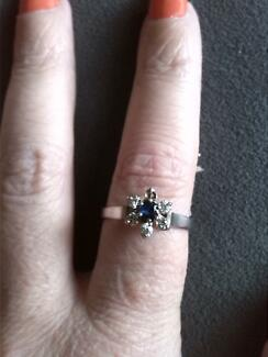diamond and sapphire ring Raymond Terrace Port Stephens Area Preview