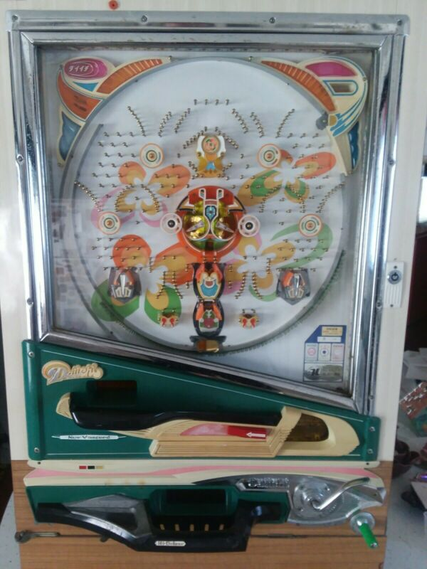 Vintage 1975 DAIICHI Hi-Deluxe Pachinko Machine Working Fun to Play Colorful