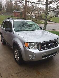 Ford Escape 2011 XLT AWD with SYNC