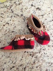Minnetonka kid plaid moccasins