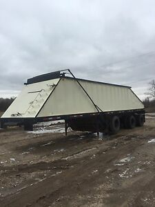 3 axle Gooding Hopper
