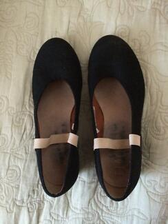 Ballet Character Shoes Bloch Adults size 6.5