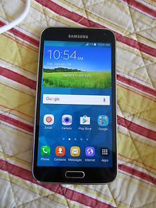 UNLOCKED Samsung Galaxy S5 phone in Excellent Condition