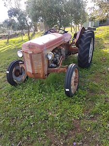 1950s Ferguson tractor Warwick Southern Downs Preview