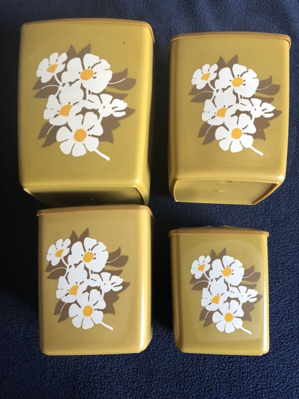 Vintage 4 Kitchen Canisters Nesting Daisy Floral Design Plastic MCM