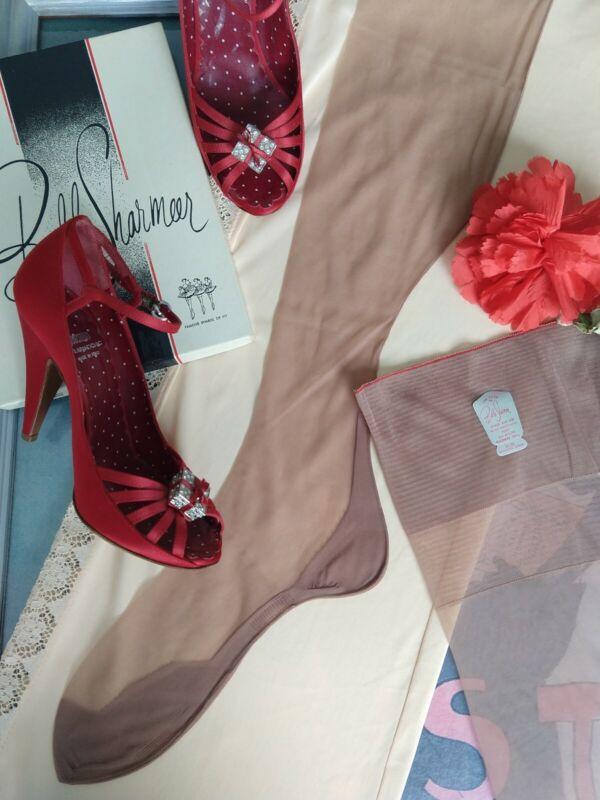 "Vintage seamed nylon stockings - Belle- Sharmeer - flat knit - 10.5L 35"""